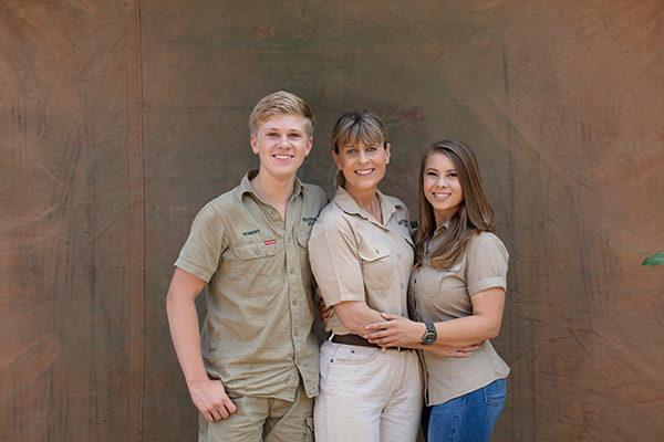 Robert, Terri and Bindi Irwin.