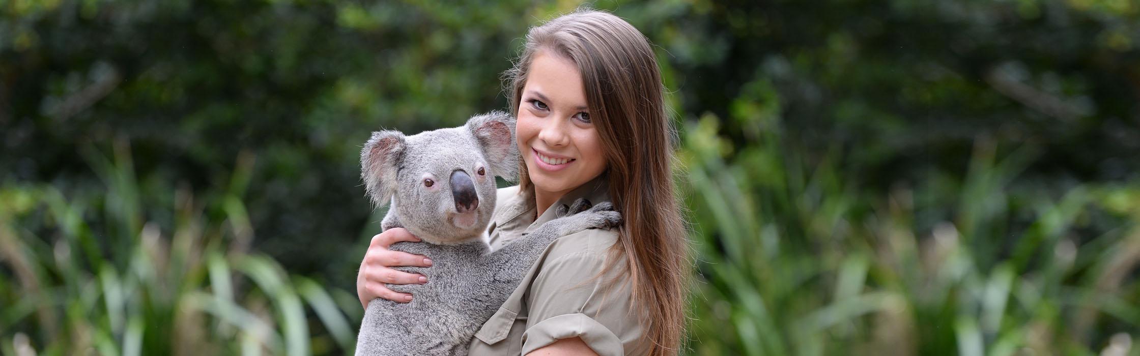 Experiences-Animal Encounters-Pat a Koala Encounter2240x700