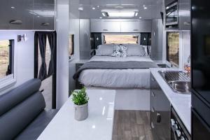 Winter Holiday Giveaway Caravan